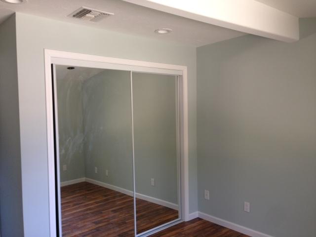 closet door with mirror