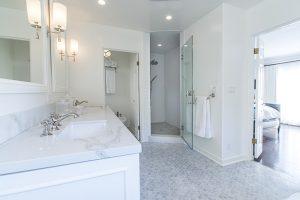 white grey high-end bathroom