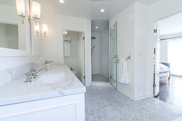 White Grey High End Bathroom