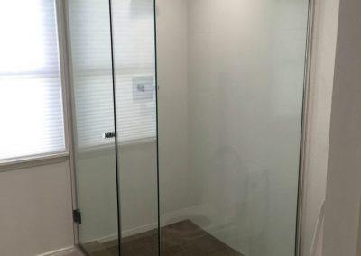 santa-monica-bathroom-walls