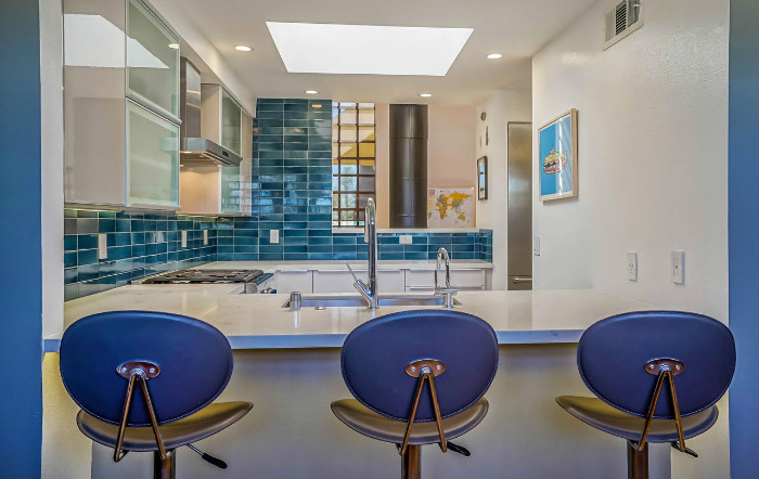 santa-monica-kitchen-condo-remodel-bar-breakfast-blue-skylight