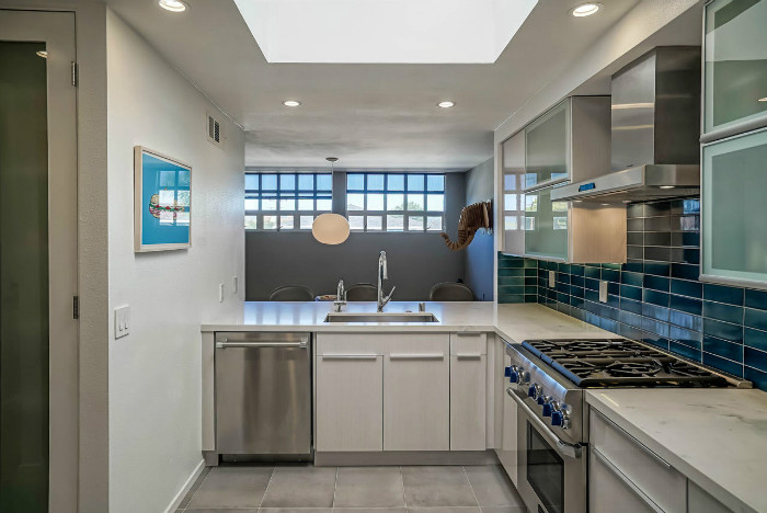 santa-monica-kitchen-condo-remodel-open-window-dish-washer-dining
