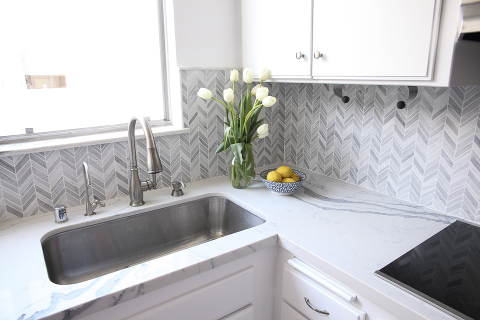 Small Kitchen Remodel In Los Angeles Before After Pics Eden Builders