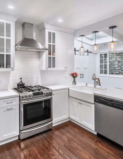 wood-floor-white-cabinetry