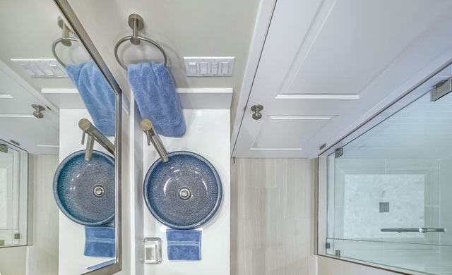master-bath-blue-sink