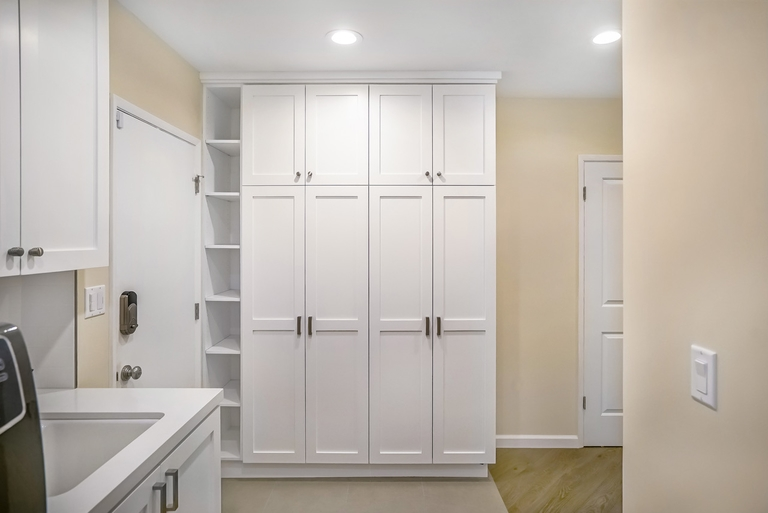 storage-laundry-room
