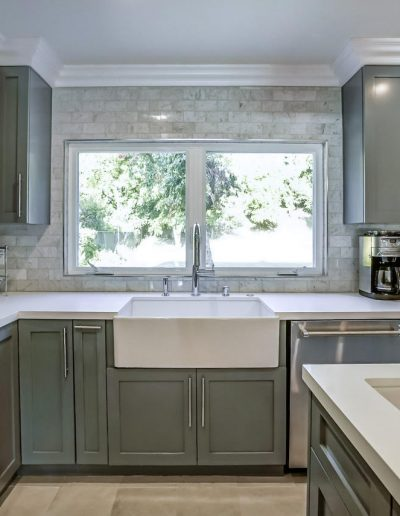 marble-subway-tile-backsplash