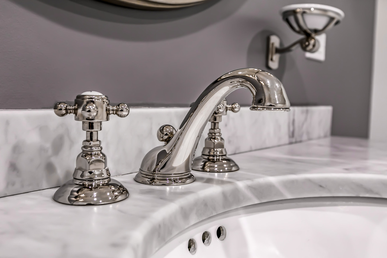 tarzana-bathroom-sink-faucet