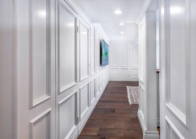 tarzana-hallway