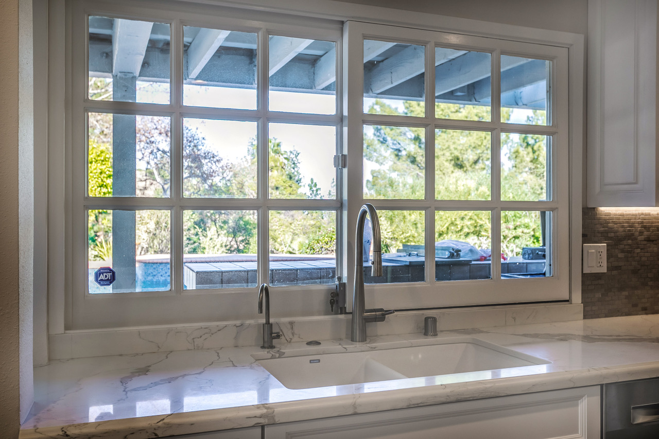 tarzana-kitchen-window-over-sink