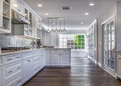 tarzana-white-kitchen-cabinetry