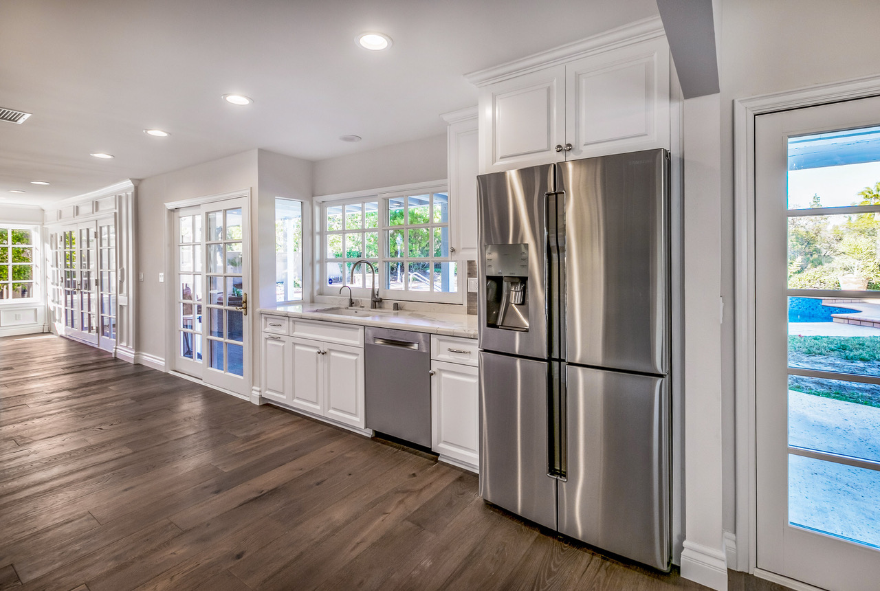 tarzana-wood-floor-kitchen