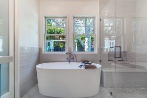 deep bath tub