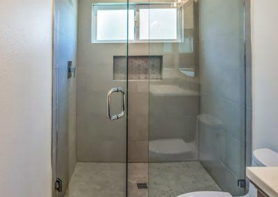 calabasas-shower