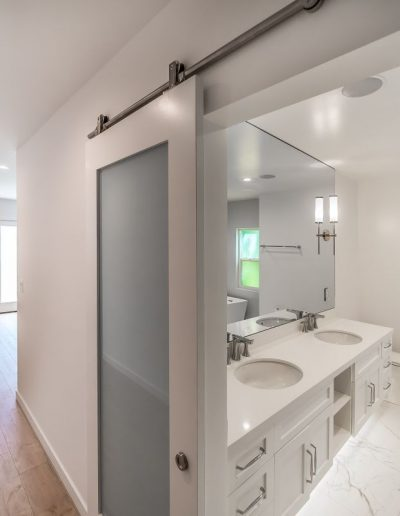 hallway-sink