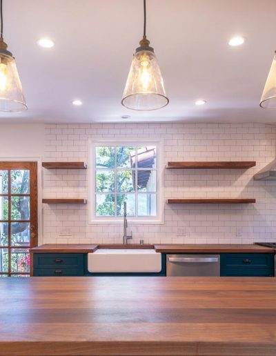 pendant-lights-kitchen-counter