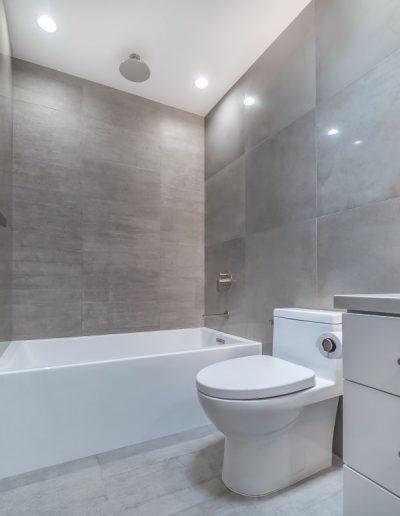woodland-hills-modern-bathroom