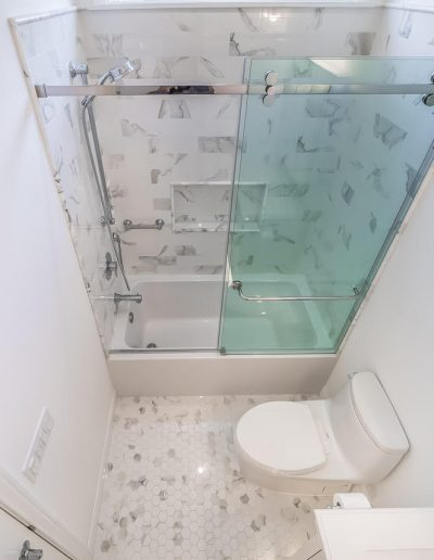calabasas-bathroom-remodel-glass
