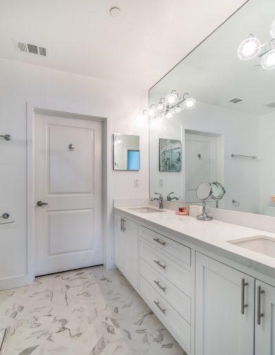 marina-del-rey-master-full-width-mirror-bathroom