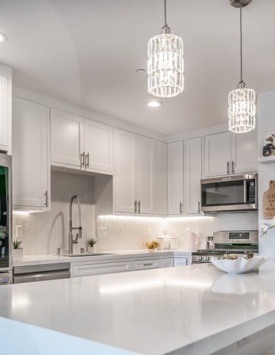 marina-del-rey-white-kitchen