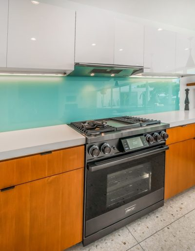 tempered-glass-backsplash