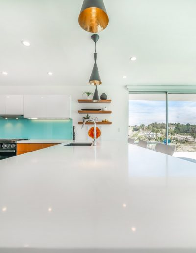 white-eat-at-kitchen-island-bel-air