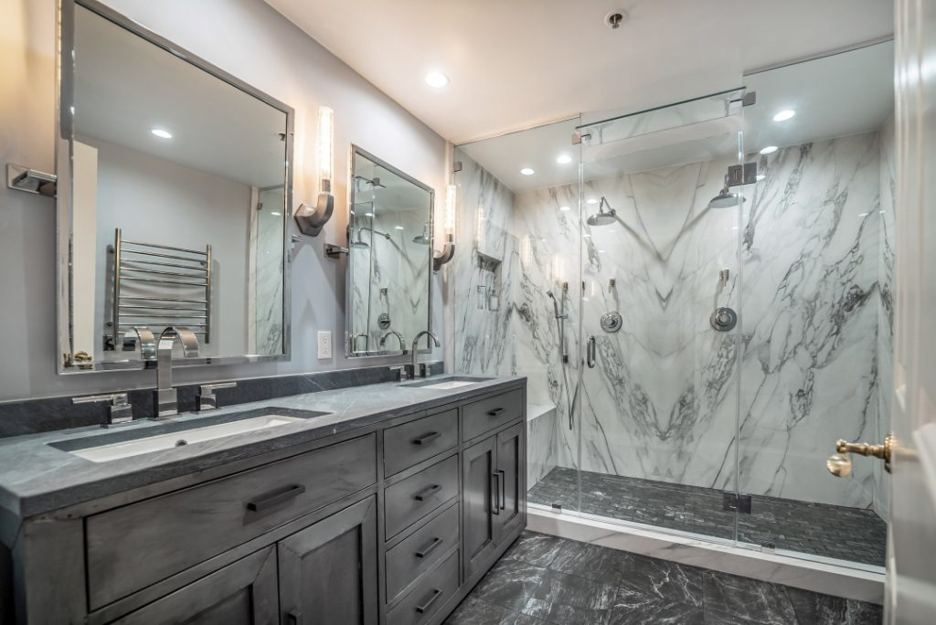 White grey marble bathroom